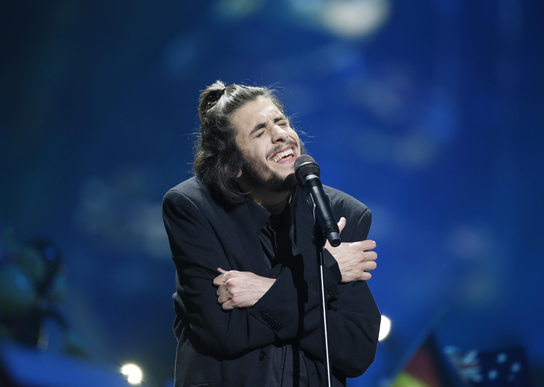 Португалец Сальвадор Собрал в финале Евровидения