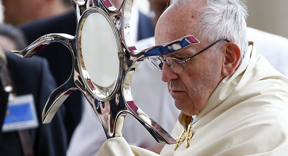 Папа Франциск канонизировал «фатимских пастушков» Жасинту иФрансишку Марту