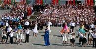 Відэафакт: 2 тысячы людзей спяваюць дзяржаўны гімн у Мінску