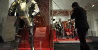 Даспех Генрыха VIII (каля 1539 года), прадстаўлены ў экспазіцыі выставы Залаты век англійскага двара: ад Генрыха VIII да Карла I  у музеях Маскоўскага Крамля, архіўнае фота