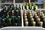Работа магазина вин, архивное фото