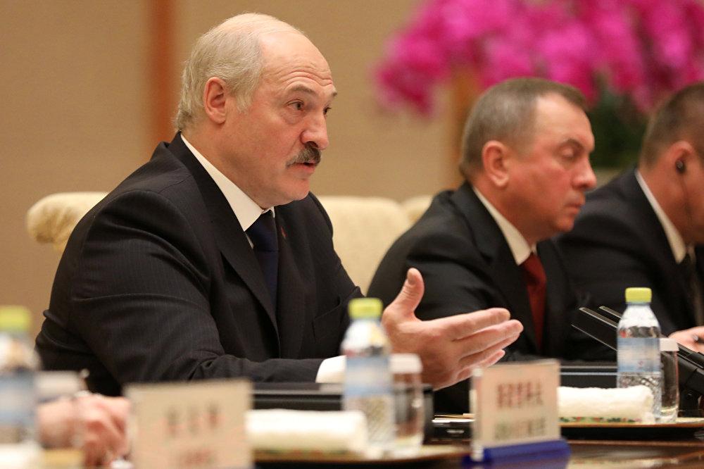Президент Беларуси Александр Лукашенко на встрече с Си Цзиньпином