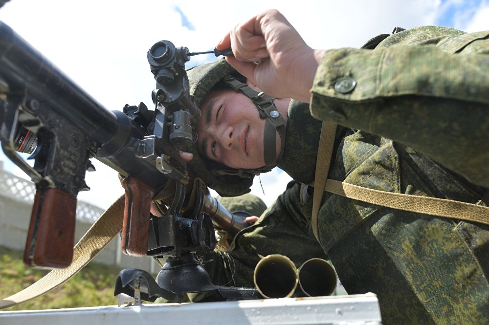 Солдат на стрельбище