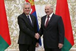 Президент Сербии Томислав Николич (слева) и президент Беларуси Александр Лукашенко