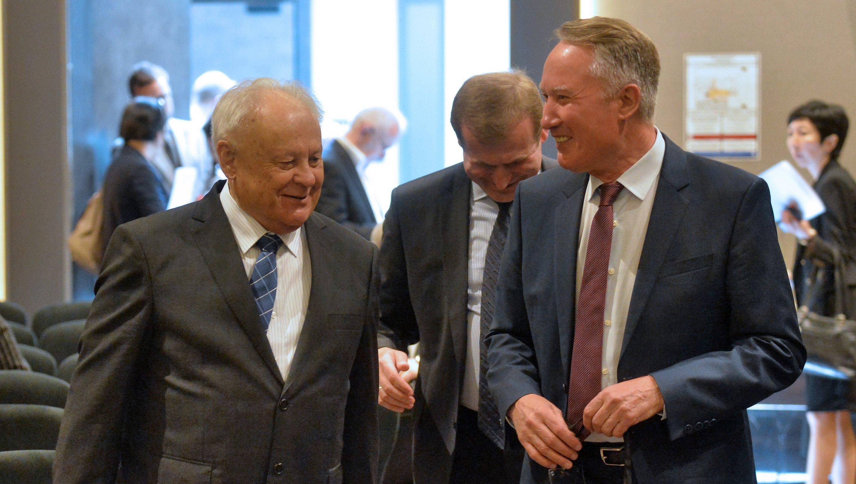 Бывшие министры иностранных дел Беларуси Иван Антонович и Урал Латыпов