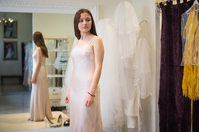Выбор выпускного платья в Минске