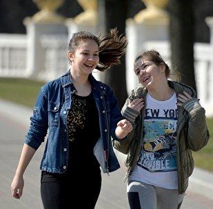Девочки на проспекте в Минске
