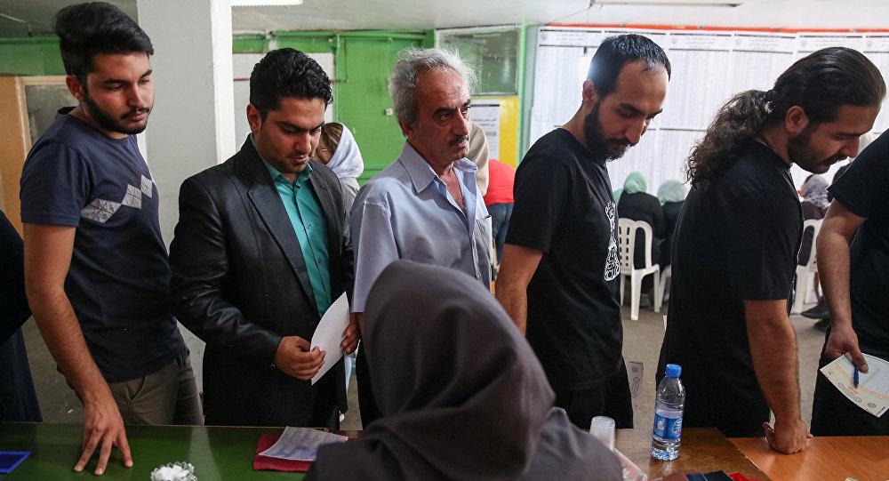 Иранцы голосуют на президентских выборах