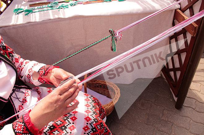 Майстар-клас па ткацтву паясоў ад Бярэзінскага раёна