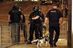 Полиция у Манчестер-Арены после теракта