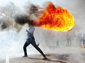 Протесты в г. Грабу (ЮАР)