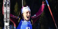 Французская биатлонистка Анаис Шевалье