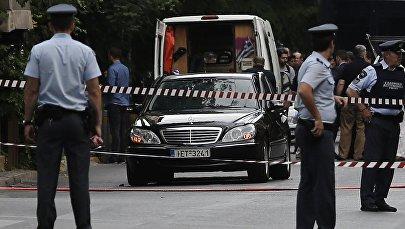 Mercedes Пападимоса после происшествия в Афинах