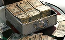 Чемодан с долларами, архивное фото