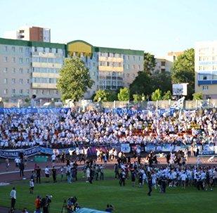 Финал Кубка Беларуси по футболу, фанаты выбежали на поле