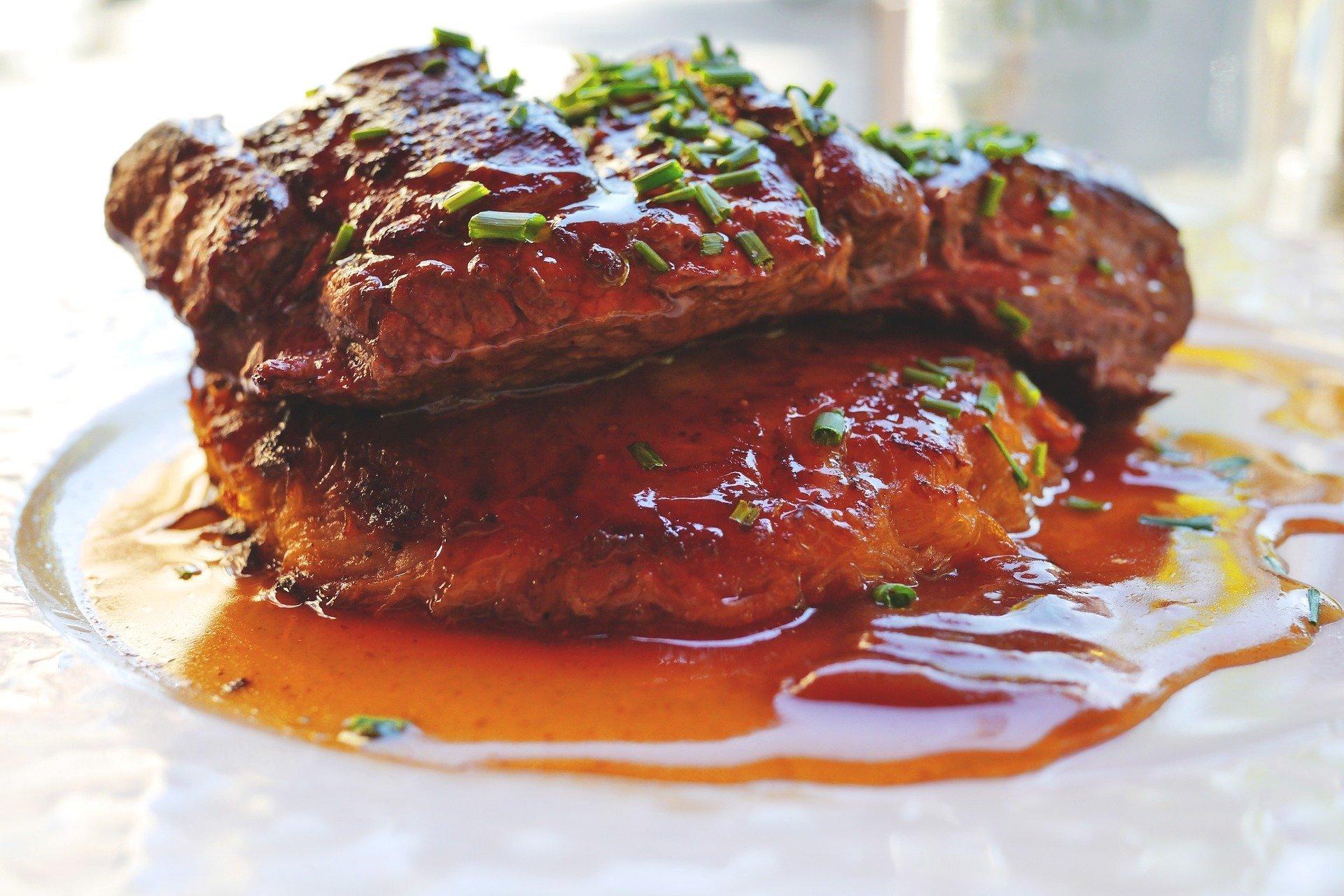 С гранатовым соусом любое мясо будет вкусным