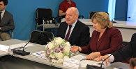 Міхаіл Швыдкой і Лілія Ананіч