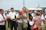 Глава Солигорского района Александр Римашевский на Зажынках-2010