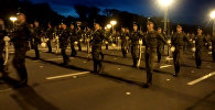 Репетиция парада: теплый вечер, оркестр и рота почетного караула