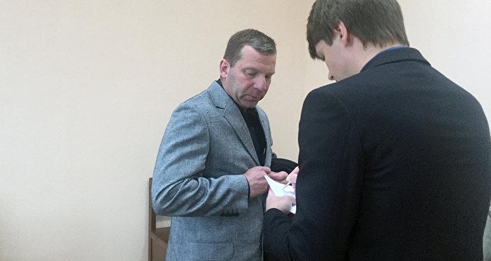 Отец Казакевича и адвокат обвиняемого
