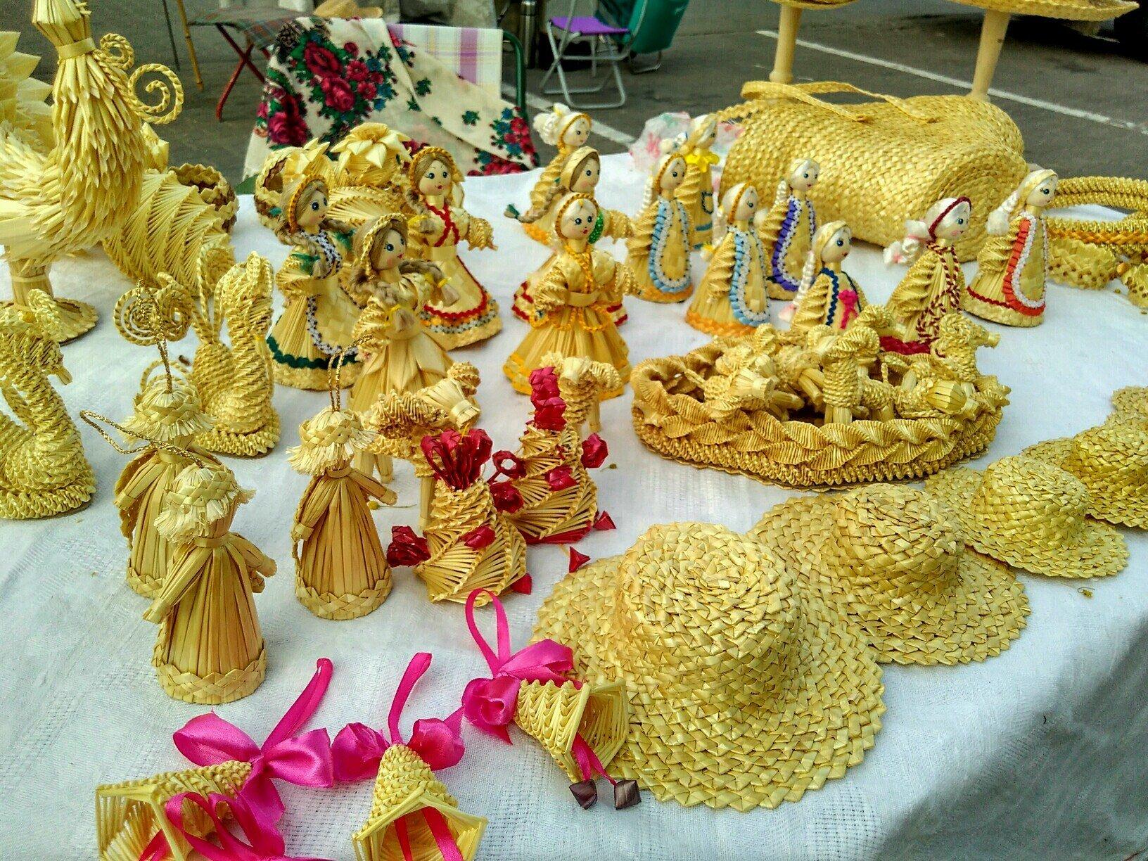 Традыцыйныя саламяныя лялькі