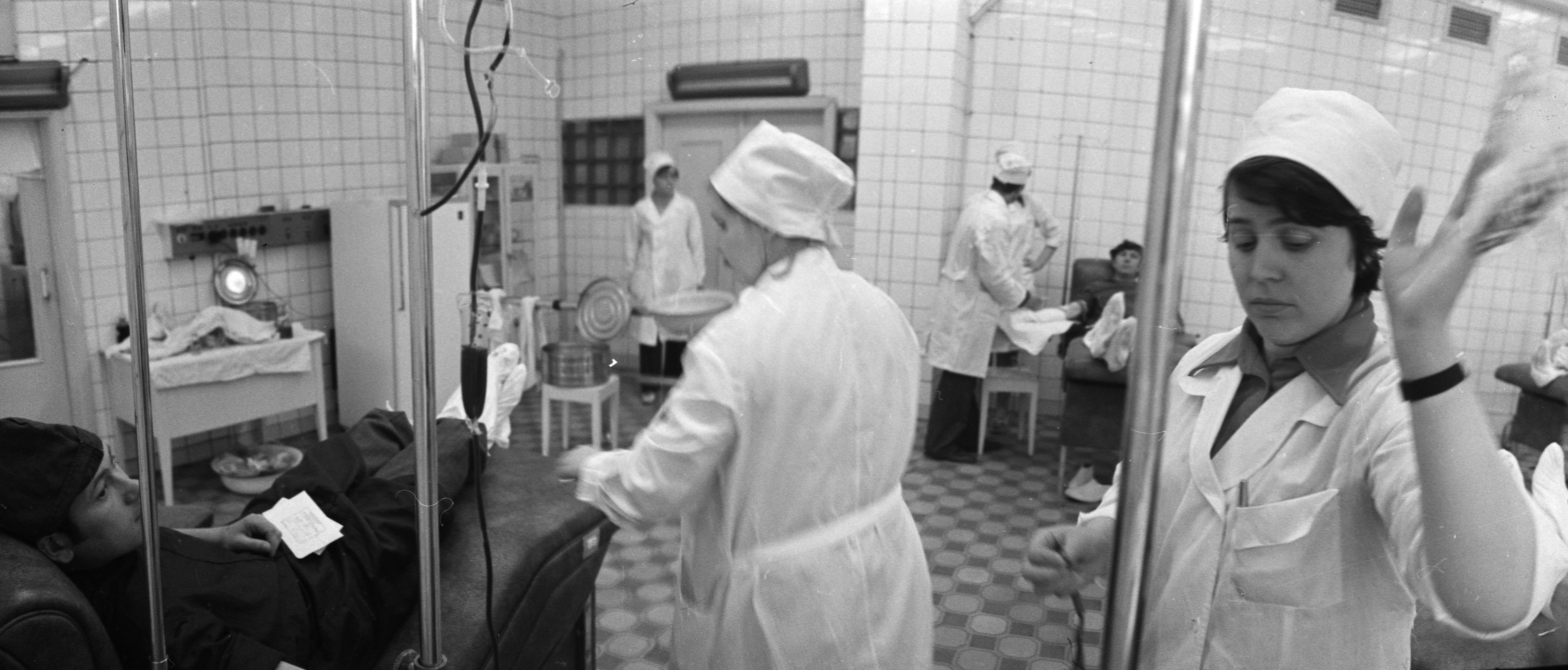 В советские времена сотрудникам больницы приходилось заготавливать кровь, выезжая в районные больницы и фапы