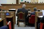 Николаю Валуеву на сессии в Овальном зале поставили отдельный стул