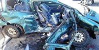 Разбитый в автоаварии в Уручье Renault
