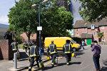 Сотрудники пожарной службы в Лондоне, архивное фото