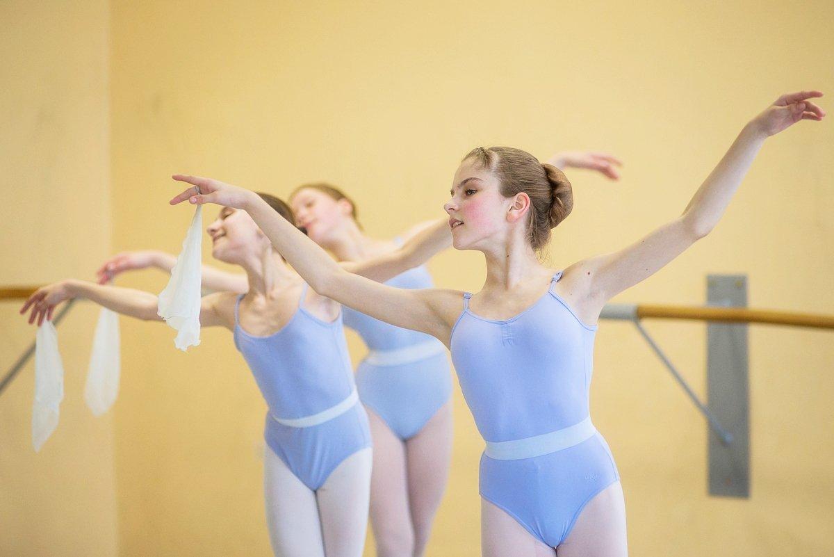 Юные балерины очень стараются