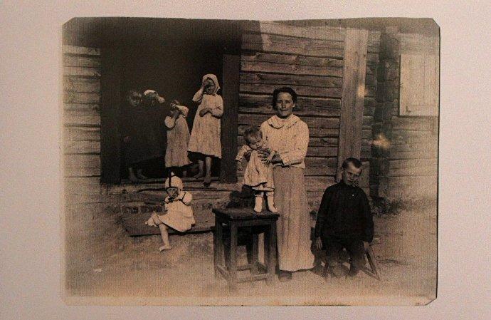 Снимок 1917 года Семья в Барановичах из подборки фотоснимков Baranowitschi – 1915-1917