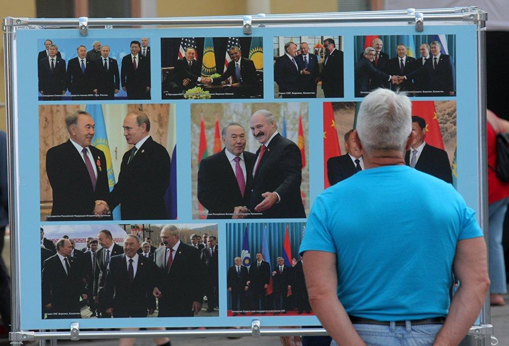 На стендах минчане смогли увидеть фотографии из жизни современного Казахстана.