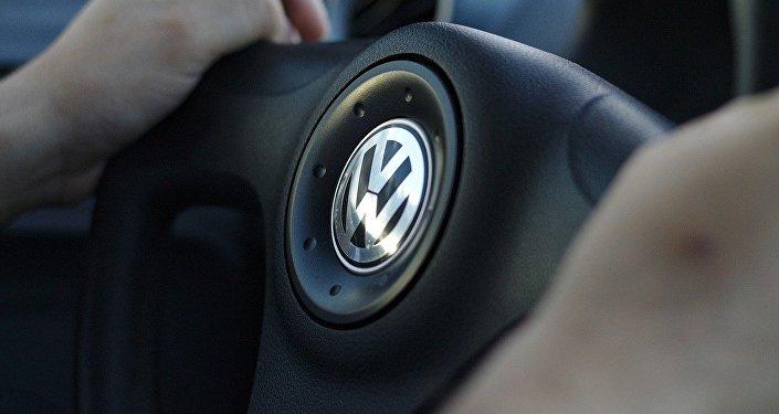 Водитель автомобиля Volkswagen