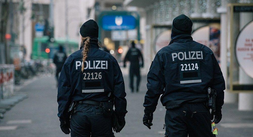 Сотрудники немецкой полиции, архивное фото
