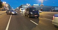 Сотрудники правоохранительных органов на месте ДТП в Минске