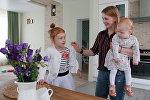 Марина со старшей дочерью Полиной и маленькой Альбиной