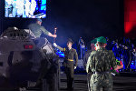 Военнослужащие возложили цветы к плитам некрополя крепости