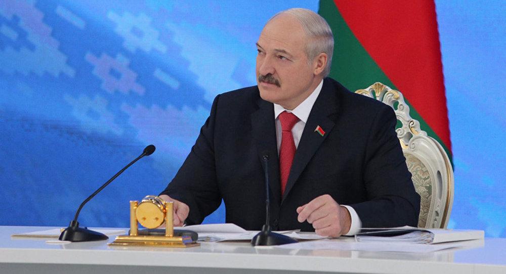 Президент Беларуси Александр Лукашенко проводит встречу с представителями общественности, белорусских и зарубежных СМИ