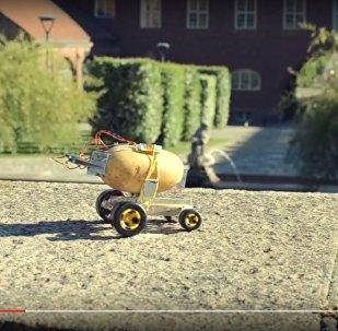 Беспилотная картошка: польский инженер показал колесный картоход
