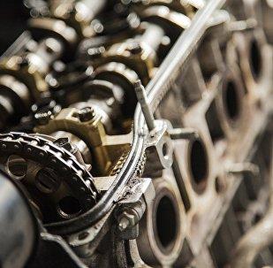 Автомобильный двигатель, архивное фото