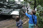Танк Т-72 снес столб в Минске