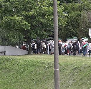 Видеофакт: верующие отправились в пешую пилигримку в Будслав