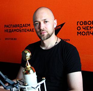 Один из основателей мультимедийного культурного проекта Litara-А, преподаватель белорусского и польского языка Денис Бурко