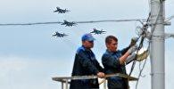 Самолеты Су-25 на тренировке воздушного парада ко Дню Независимости