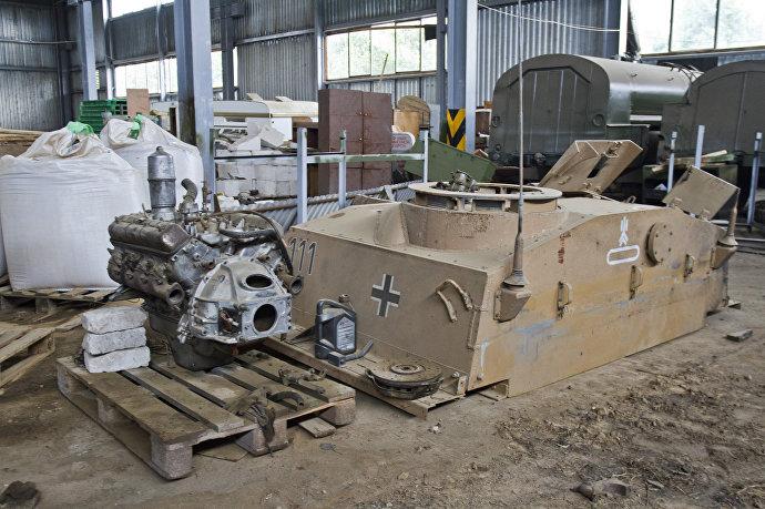 Боевые машины времен ВОВ собираются из танков, которые доставали из болот