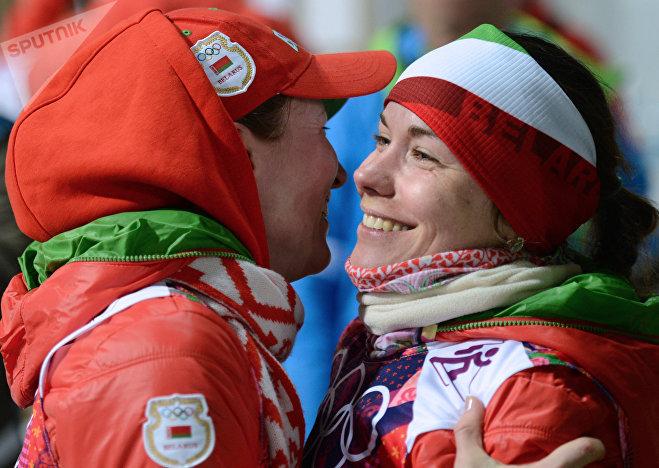Слева направо: Дарья Домрачева и Надежда Скардино