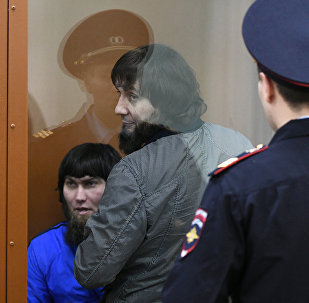 Анзор Губашев (слева) и Заур Дадаев в Московском военной окружном суде