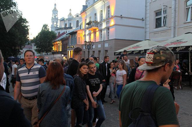 Центр Витебска превратился в сплошную сценическую площадку и зону отдыха