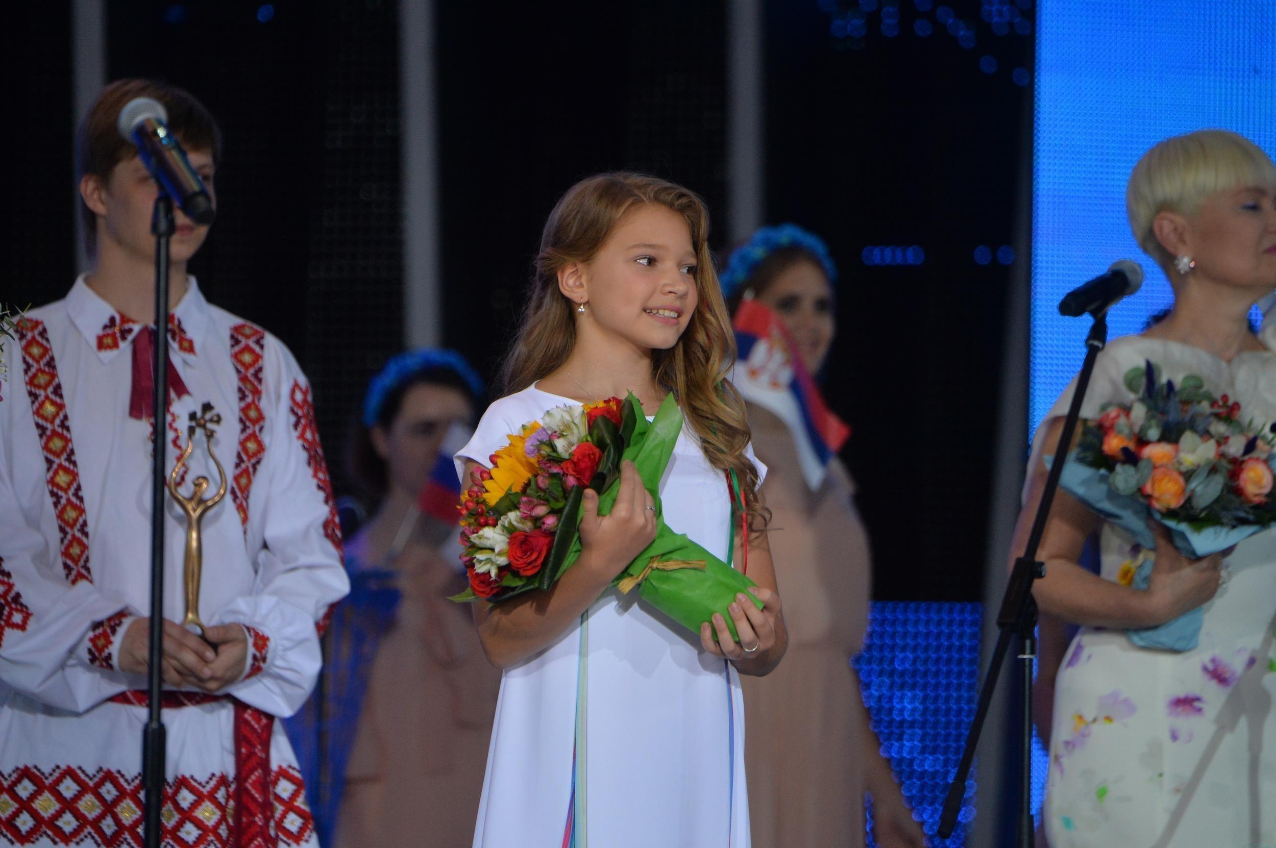 Обладательница Гран-при XV Международного детского музыкального конкурса Витебск-2017 Мария Магильная