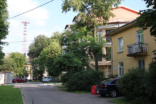 Одни дома в Осмоловке перестроены совсем недавно, другие не видели капитального ремонта больше полувека